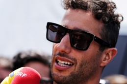 /UserFiles/photos/miniatures/Ricciardo.jpeg